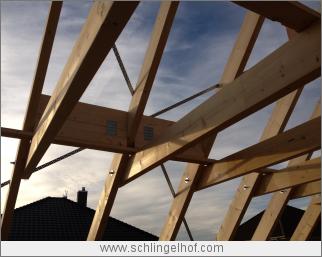 Richten des Dachstuhls, Bauüberwachung Projekt: Einfamilienhaus in Dallgow-Döberitz