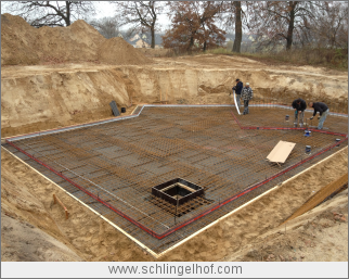 Bauüberwachung  Villa in  Dallgow-Döberitz  Status Sohle Keller mit Pumpensumpf