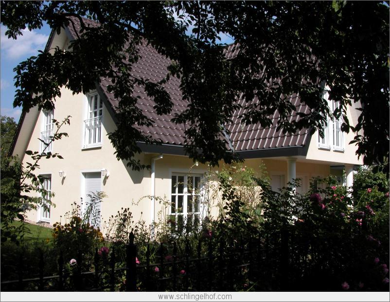 Villa in berlin spandau mit friesengiebel for Architektenhaus berlin